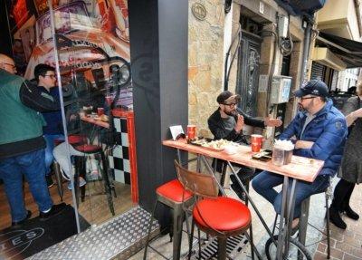 Doggies Coruña, terraza- Atenea Street Contract