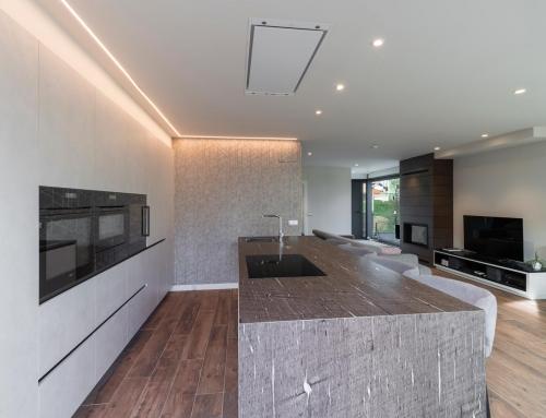 Cocina Copatlife diseñada e instalada por Atenea Street en un magnífico chalet de Santa Cruz