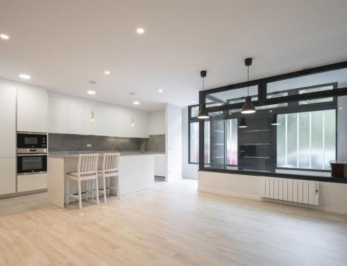 Cocina Copatlife para un proyecto de reforma integral de un bajo convertido en vivienda en A Coruña.